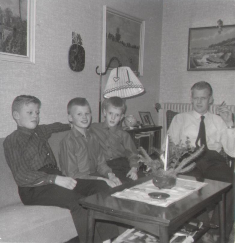Olaf la Cour, Christmas 1965 with father, big brother and little brother, Ilskov